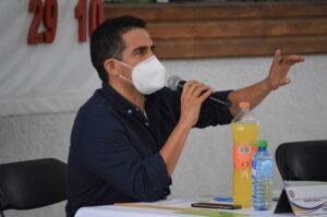 Jano Segovia recorre comunidades del distritos y brinda confianza para las familias